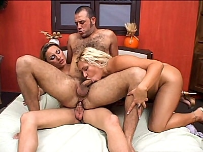 Shemale Threesome Cock Sharing